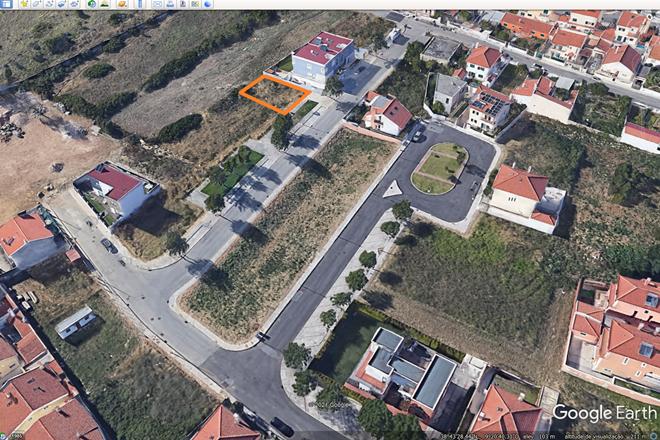 Terreno em zona privilegiada, com projecto aprovado.